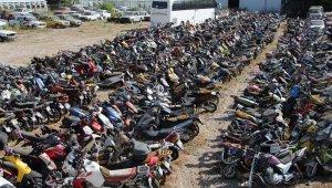 Yediemin otoparkları pandemi döneminde otomobil ve motosiklet mezarlığına döndü