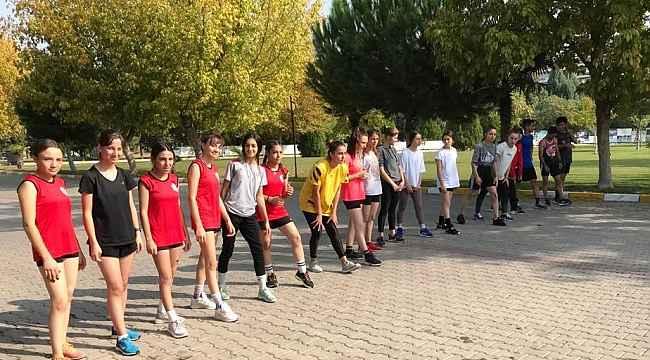 Yunusemreli atletler Cumhuriyet Kupasında madalyaları topladı