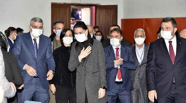 """AK Partili Karaaslan:""""Dünya siyasetinde muhalefetler önemli eleştirilerde bulunur, bizde maalesef böyle değil"""""""