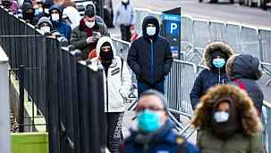 Amerika'da zenginler, kendilerinin yerine koronavirüs test kuyruğunda bekleyenlere para ödüyor