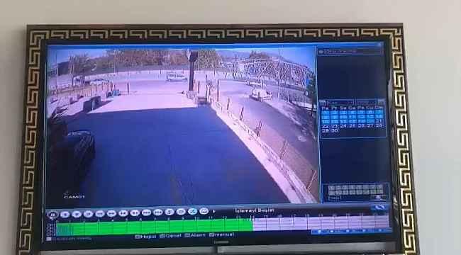 Aşırı hız yapan aracın kaza anı güvenlik kameralarına yansıdı - Bursa Haberleri