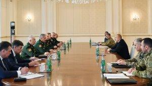 Azerbaycan Cumhurbaşkanı Aliyev Rusya Savunma Bakanı Şoygu'yu kabul etti