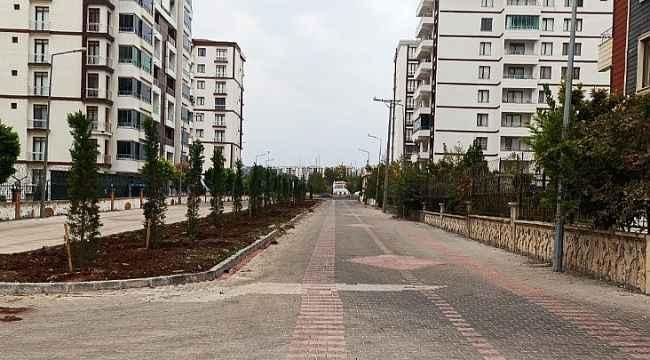 Bağlar'da caddeler yeni refüj çalışmalarıyla güzelleşiyor