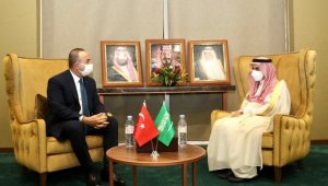Bakan Çavuşoğlu, Suudi Arabistanlı mevkidaşı Al Saud ile görüştü