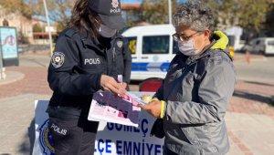 """Balıkesir polisinden kadınlara """"KADES"""" brifingi"""