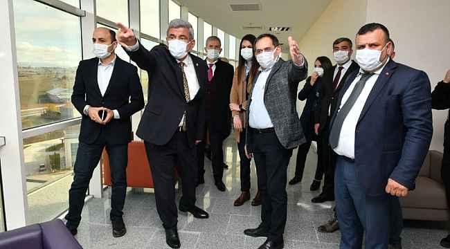"""Başkan Demir: """"Vezirköprü Hastanesi sadece ilçeye değil bölgeye de hizmet verecek"""""""
