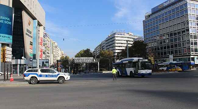 Başkent'te sokağa çıkma kısıtlaması sonrası vatandaşlar kendini dışarı attı