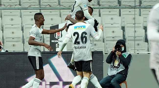 Beşiktaş ilk yarı işi bitirdi!