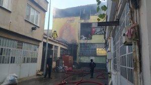 Bursa'da korkutan yangın plastik atölyesi küle döndü - Bursa Haberleri