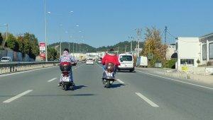 Bursa'da motosiklet sürücüleri trafikte sohbet etti - Bursa Haberleri