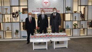 Büyükşehir sağlık çalışanlarına tablet hediye etti