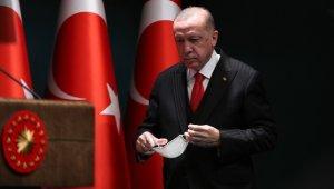 """Cumhurbaşkanı Erdoğan: """"Aşı için ilk etapta 50 milyon dozluk bir anlaşma yaptık. Önümüzdeki aydan itibaren aşının uygulanmasına başlanacak."""""""