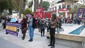 Denizli'de kadınlar, kadına yönelik şiddetle mücadele için bir araya geldi