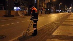 Denizli'de vatandaşlar sokağa çıkma kısıtlamasına uyuyor