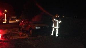 Dükkan önündeki araç çıkan yangında küle döndü - Bursa Haberleri