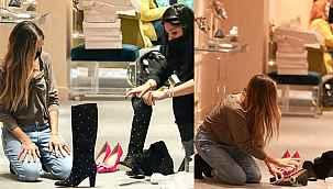 Efsane dizinin yıldızı şimdi müşterilerine ayakkabı giydiriyor