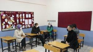 """Emine Erdoğan'ın videosunu paylaştığı öğretmen: """"O gün en mutlu günümdü"""""""