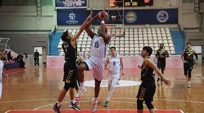 Erkekler Basketbol 1. Ligi: Kocaeli Büyükşehir Belediyesi Kağıtspor: 87 - Nadir Gold İstanbul Basket: 73