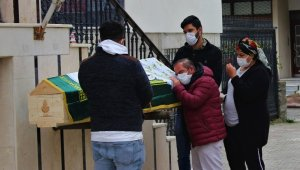Feci kazada ölen kadın son yolculuğuna uğurlandı