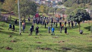Gaziosmanpaşa'da şehit öğretmenler anısına fidan dikildi