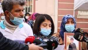 HDP önündeki aileden, 9 yaşındaki çocuklarının Zap suyunda kaybolduğu iddiasına mektuplu cevap