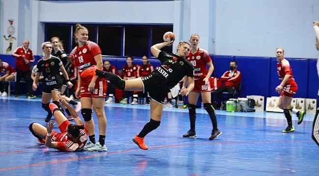 Hentbol Kadınlar EHF Avrupa Ligi: Kastamonu Belediyespor: 31 - DVSC Schaeffler: 30