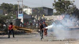 Hindistan'da protestocu çiftçilere polisten gazlı müdahale