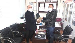 Hisarcık'ta başarılı öğrenciler altınla ödüllendirildi