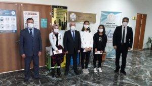 Hisarcık'ta ödüller dağıtıldı