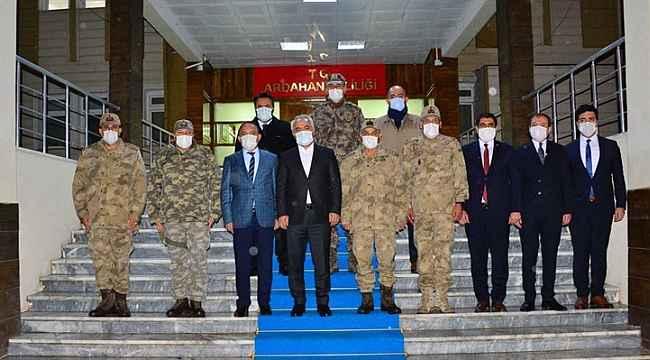 İçişleri Bakan Yardımcısı Mehmet Ersoy ve Jandarma Genel Komutanı Orgeneral Arif Çetin, Ardahan'da