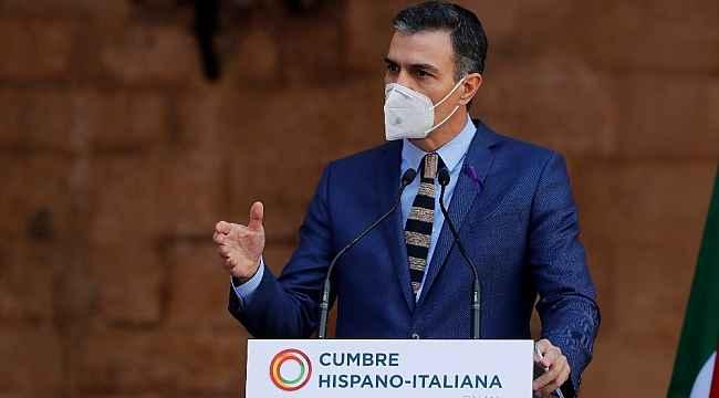 İspanya'da Noel kutlamaları 6 kişi ile sınırlandırılabilir