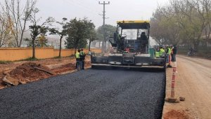 İzmit'te 4 buçuk kilometrelik yolun asfalt çalışmalarına başlandı