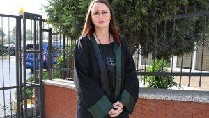 Kadın banka müdürüne sokak ortasında dehşeti yaşatan saldırganın cezası belli oldu