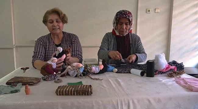 Kadınlar hem para kazanıyor hem de geleneksel kültürü yaşatıyor