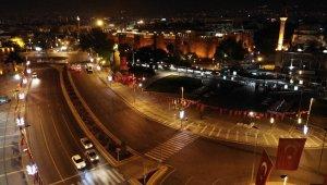 Kayseri'de sokağa çıkma kısıtlaması başladı, caddeler boş kaldı