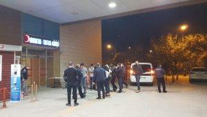 Kendilerini polis olarak tanıtan yağmacılar kıskıvrak yakalandı
