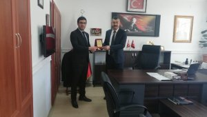 Kırşehir'de yılın öğretmeni Çiçekdağı'ndan