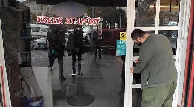 Kısıtlama kapsamında AVM'ler, marketler ve berberler saat 10.00'da açıldı