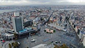 Kısıtlama sonrası Taksim'de yaşanan hareketlilik havadan görüntülendi