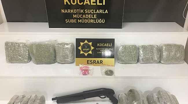 Kocaeli'de 11 kilo 900 gram esrarla yakalanan 5 kişi gözaltına alındı