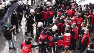 Kocaeli'den Ankara'ya yürümek isteyen işçilere polis müdahalesi: 95 gözaltı