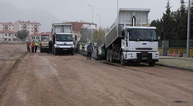 Melikgazi'de asfalt çalışmaları tam gaz devam ediyor