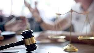 Memura 'karaktersiz' dedi 7 sene adliyeyi yol tuttu