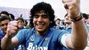 Napoli, stadının adını Diego Armando Maradona olarak değiştiriyor