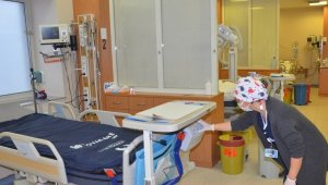 Nazilli Devlet Hastanesi'ne yatalak hastalar için 'şişme yatak' takviyesi yapıldı