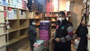 Ölen amcasının dükkanındaki giysileri hayır kurumlarına bağışladı