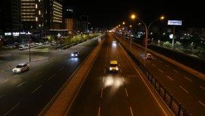Sokağa çıkma kısıtlaması başladı, Diyarbakır'da sokaklar boş kaldı