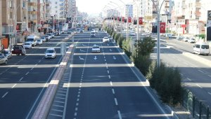 Sokağa çıkma kısıtlaması bitti, Diyarbakır'da trafik yoğunlaştı
