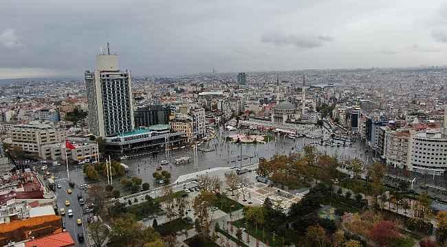 Sokağa çıkma kısıtlaması öncesi Taksim'de yoğunluk