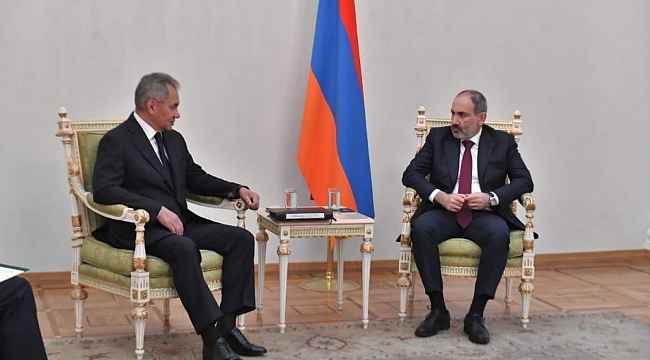 Şoygu ve Lavrov, Ermenistan Başbakanı Paşinyan ile görüştü